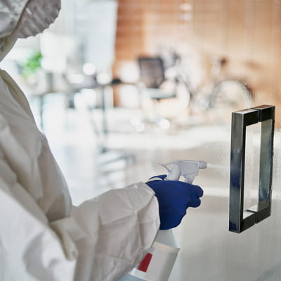 S y E Limpiezas y Reformas. Limpieza de cristales exterior e interior en hoteles y hospitales